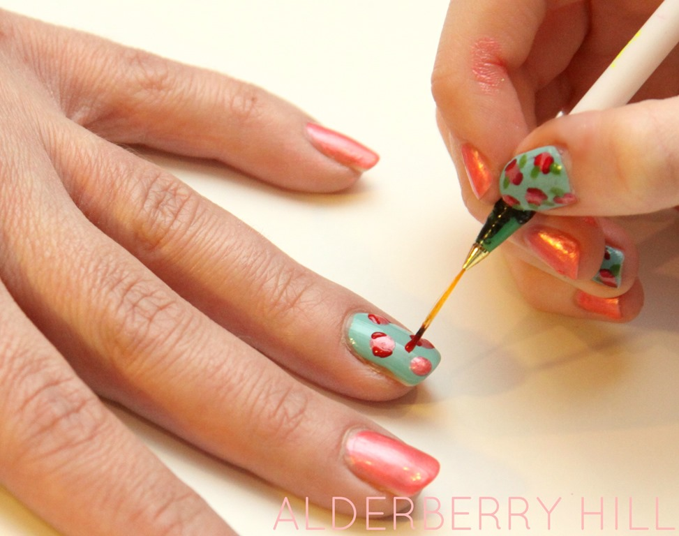 Simple do it yourself diy nail arts in steps nailkart diy floral nail art 5 solutioingenieria