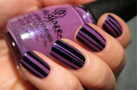 Purple stripes nail art