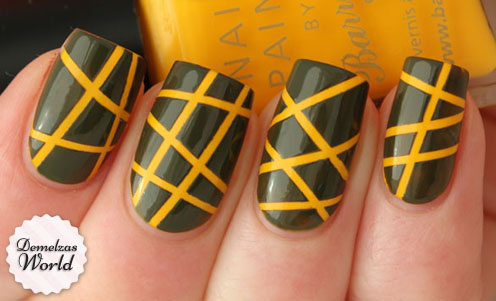 Striping-Tape-Manicure1