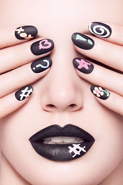 chalkboard_nails_v_26mar13_pr_b_426x639