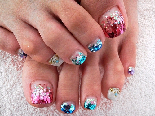 colourful-toe-nail-design