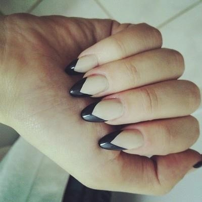 gel-nails-french-design-photo