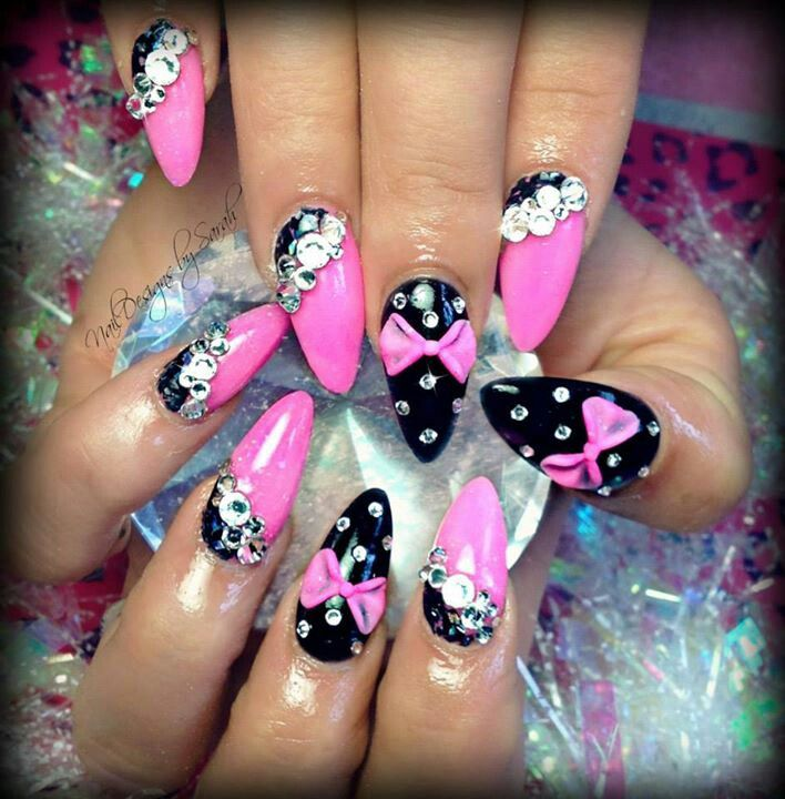 Sharp bow 3D nail art