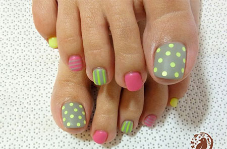 simple nail art design for feet