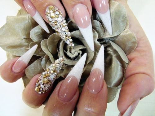 beauty-diamond-nails