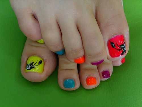 easy nail art design for feet