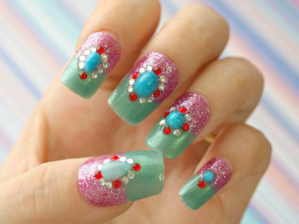 japanese-nail-art-with-rhinestones