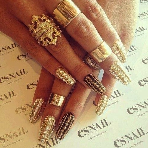 nail-art-gold-and-diamond