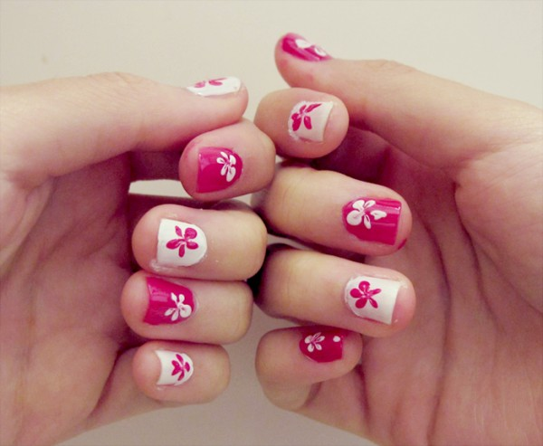 simple flower nail art designs