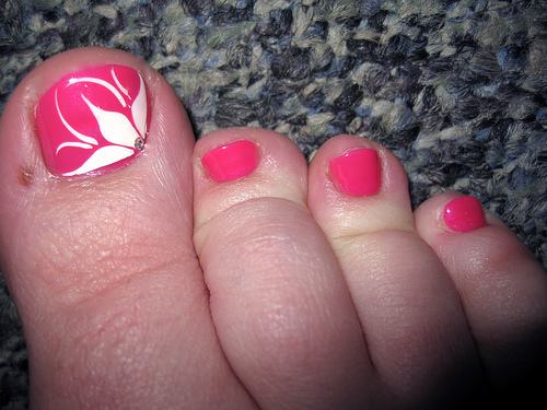 pink-flower-pedicure-toe-nail-art-design-128125