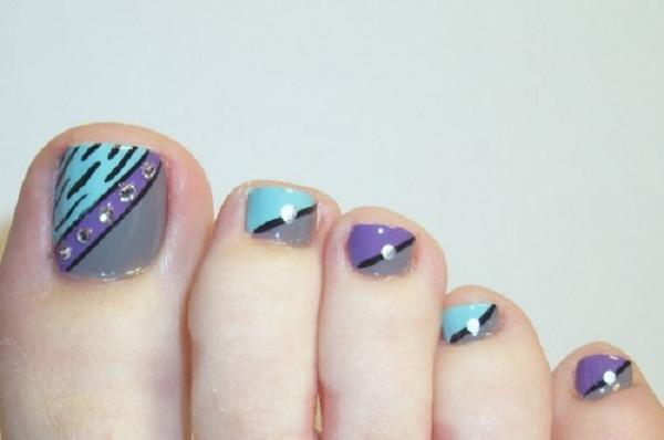 Simple nail art designs for beautiful feet nailkart simple nail art designs for toes 2 prinsesfo Images