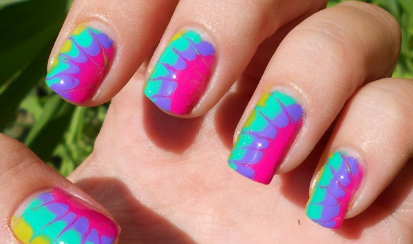 tie dyed nails