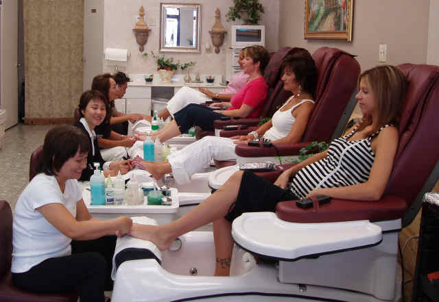 nail salons look 10
